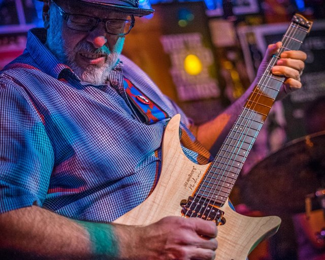 Mike Keneally playing strandberg headless guitar