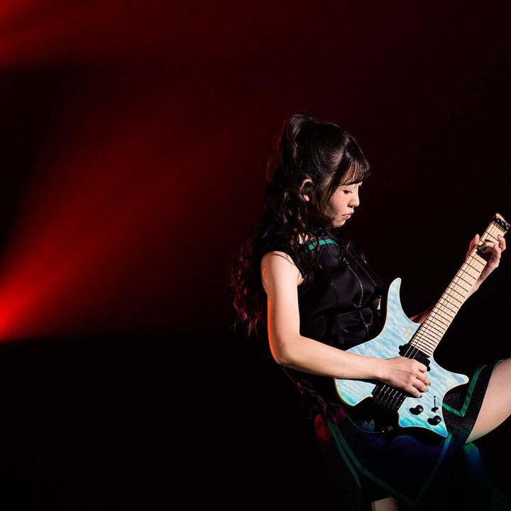 Riko Kohara Strandberg artist on stage