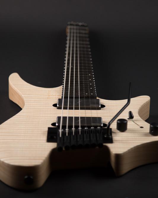 Headless Guitar Boden Prog Trem 7 string Natural