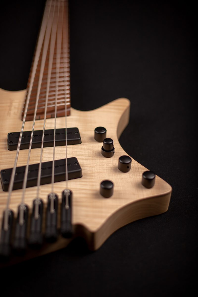 Headless boden BASS 5 string natural front view