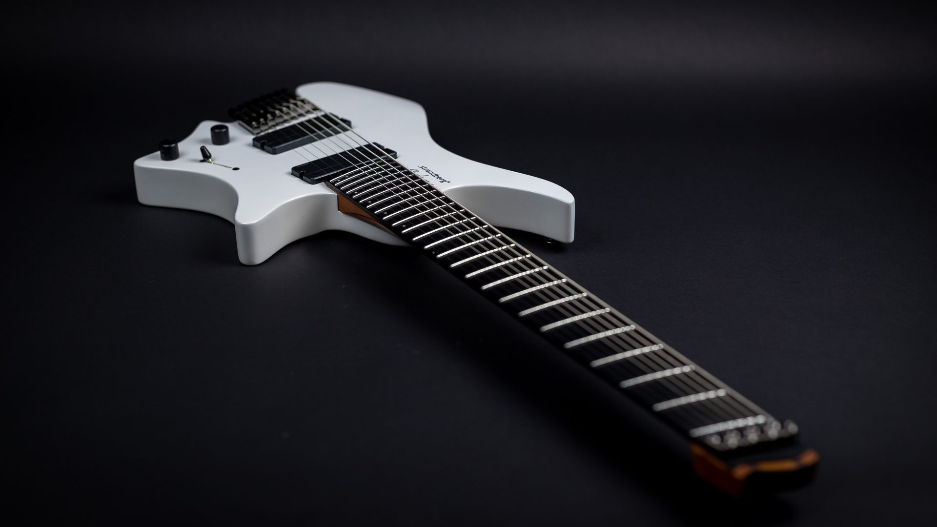 Headless guitar boden metal white 8 string front view
